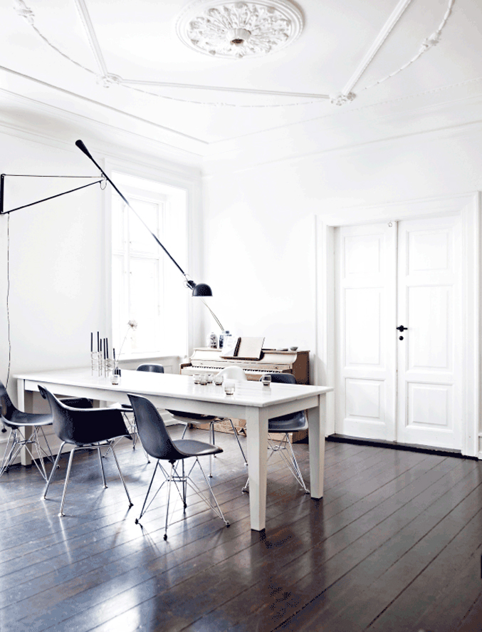 Danish-Home-Black-White---dining-room