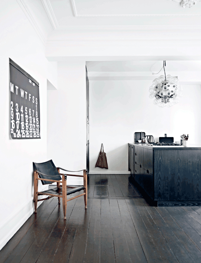 Danish-Home-Black-White---kitchen-counter