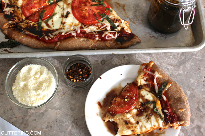 Easy-Homemade-Caprese-Pizza-with-whole-wheat-crust-and-balsamic-glaze---glitterinc.com