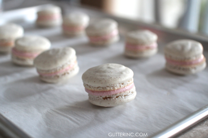 How-to-Make-French-Macarons-close-up---Strawberry-Cheesecake-Macarons-Recipe - glitterinc.com