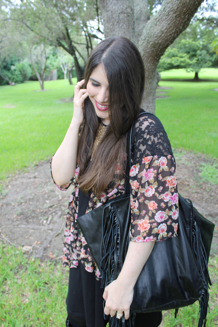 outfit-Lexi-Sears-Style-Fall-Transition-Flower-Kimono-Gold-Statement-Necklace---glitterinc.com