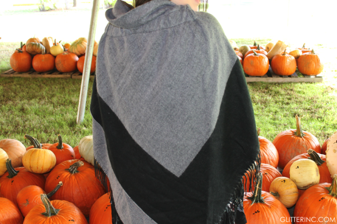Sears-Style-Fall-Blanket-Cape-Poncho-back---pumpkin-patch---glitterinc.com