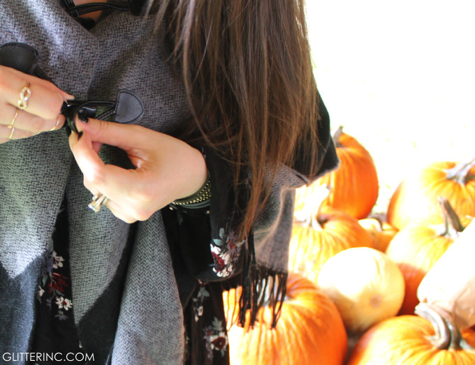 Sears-Style-Fall-Poncho-Blanket-Cape-rings-and-black-nails-glitterinc.com_-680x523
