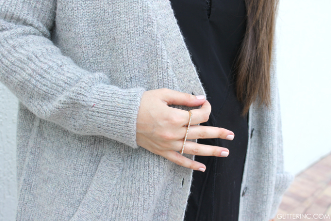 Sears-Style---Jeans-and-Oversized-Sweater-and-Ring---glitterinc.com