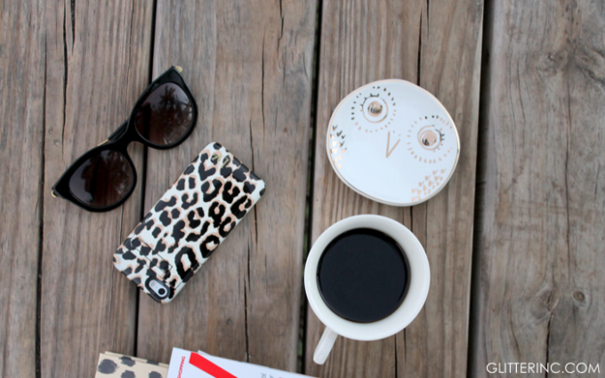 blogger-desk-accessories-starbucks-coffee---glitterinc.com