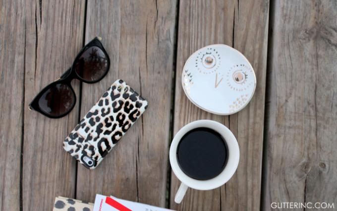blogger-desk-accessories-starbucks-coffee---glitterinc.com