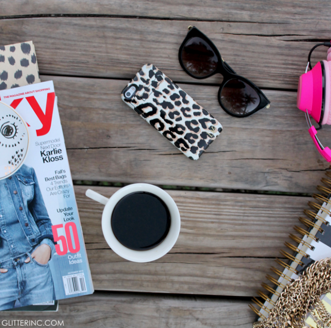 blogger-desk-fashion-starbucks-coffee---glitterinc.com