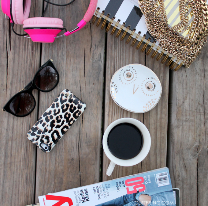 blogger-desk-magazines-leopard-starbucks-coffee---glitterinc.com