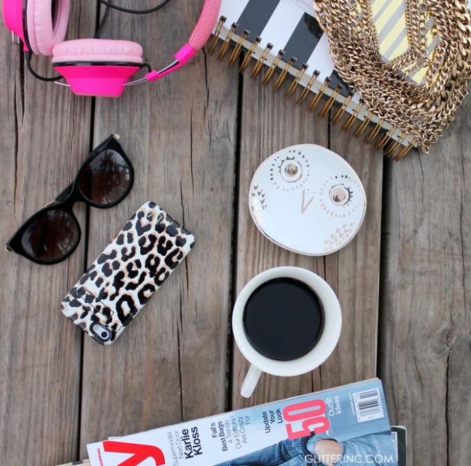 blogger-desk-magazines-leopard-starbucks-coffee---glitterinc.com