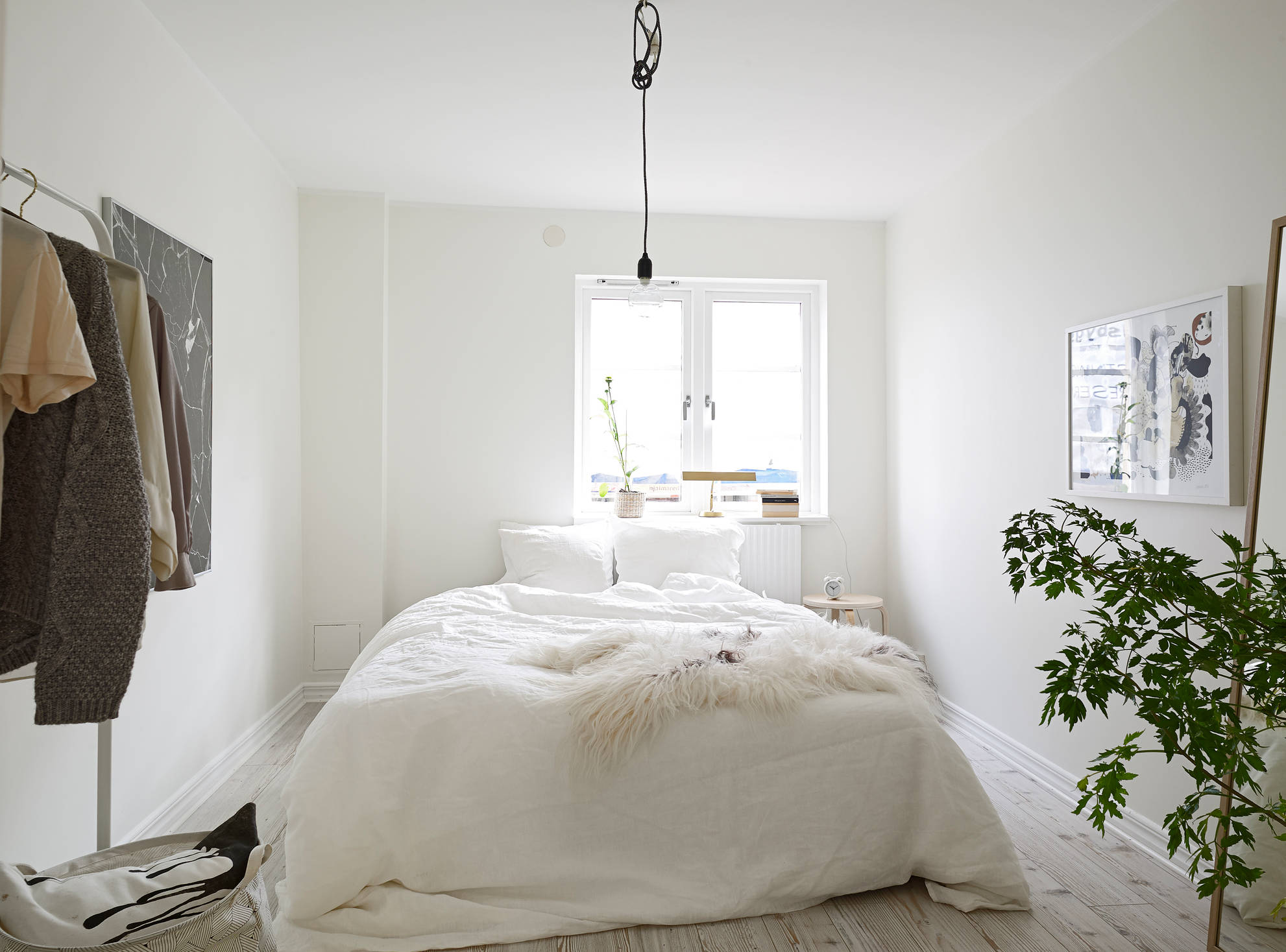 white apartment greens bedroom fur sheepskin throw