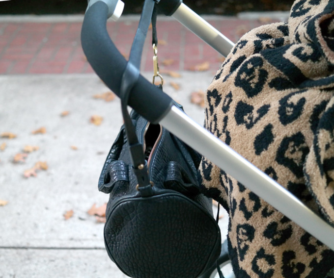 New-Haven---leopard-blanket-stroller---glitterinc.com