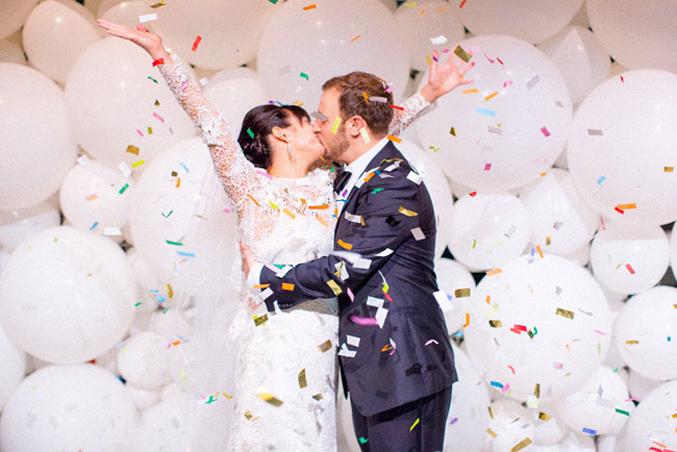 carnival-wedding-confetti-balloons