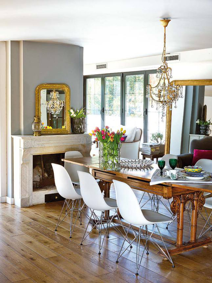 colorful-light-filled-madrid-home---dining-room-chandelier