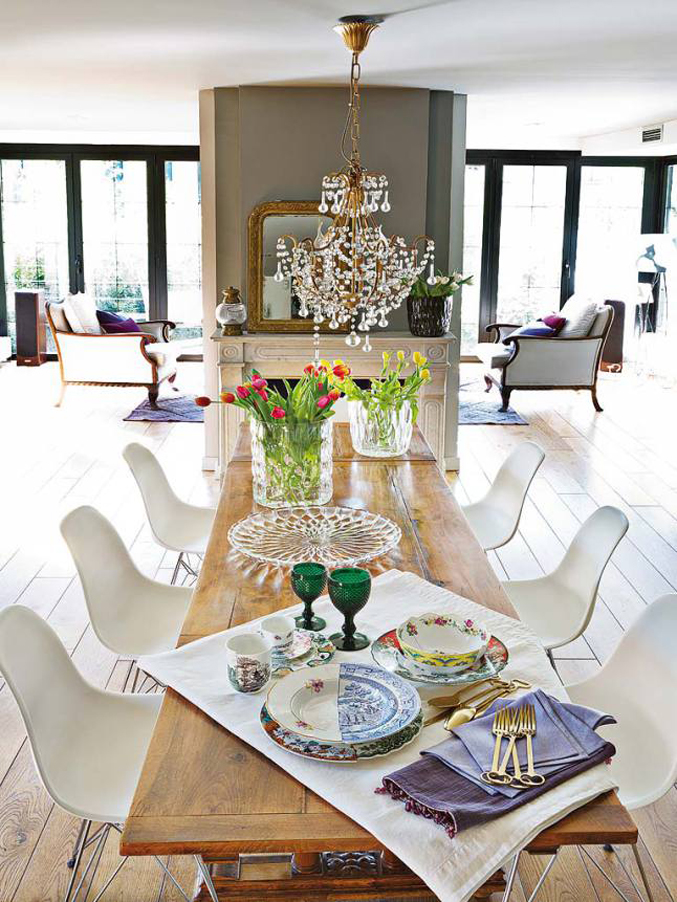 colorful-light-filled-madrid-home---dining-room