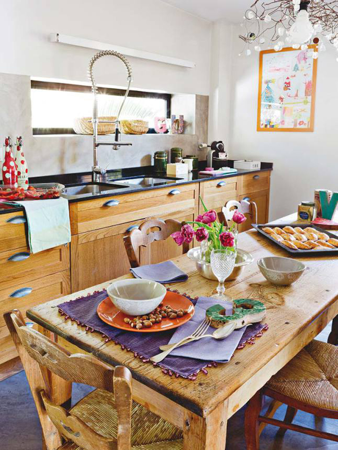 colorful-light-filled-madrid-home---kitchen