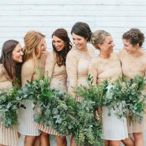 ohiobarn-wedding-neutral-bridesmaids-dresses