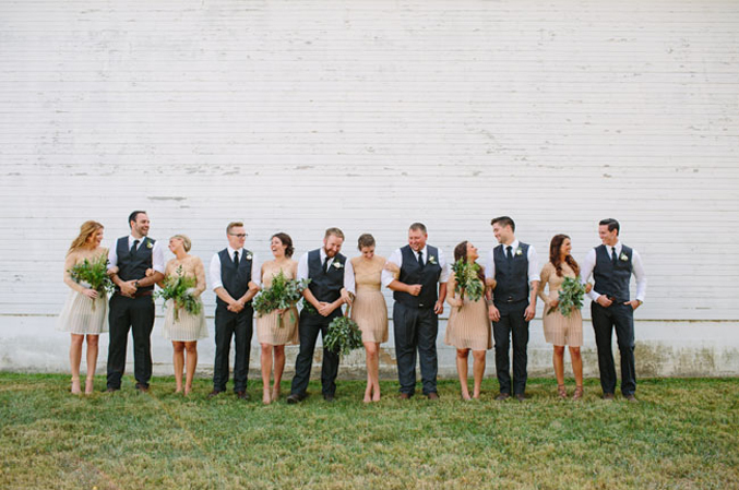 ohiobarn-wedding-neutral-bridesmaids-dresses-and-groomsmen