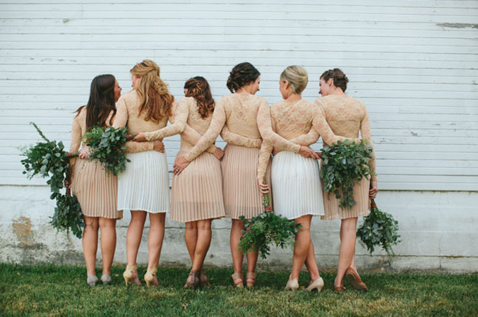 ohiobarn-wedding-neutral-bridesmaids-dresses-lace-pleats