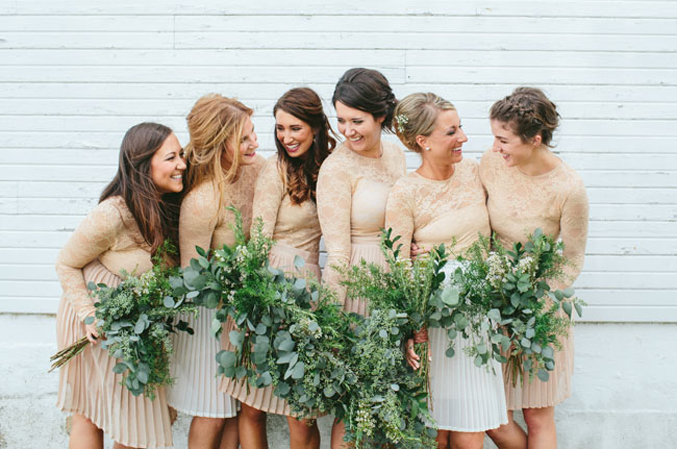 ohiobarn-wedding-neutral-bridesmaids-dresses