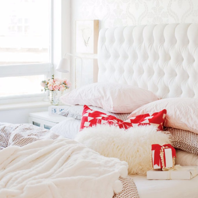 white christmas holiday bed bedroom