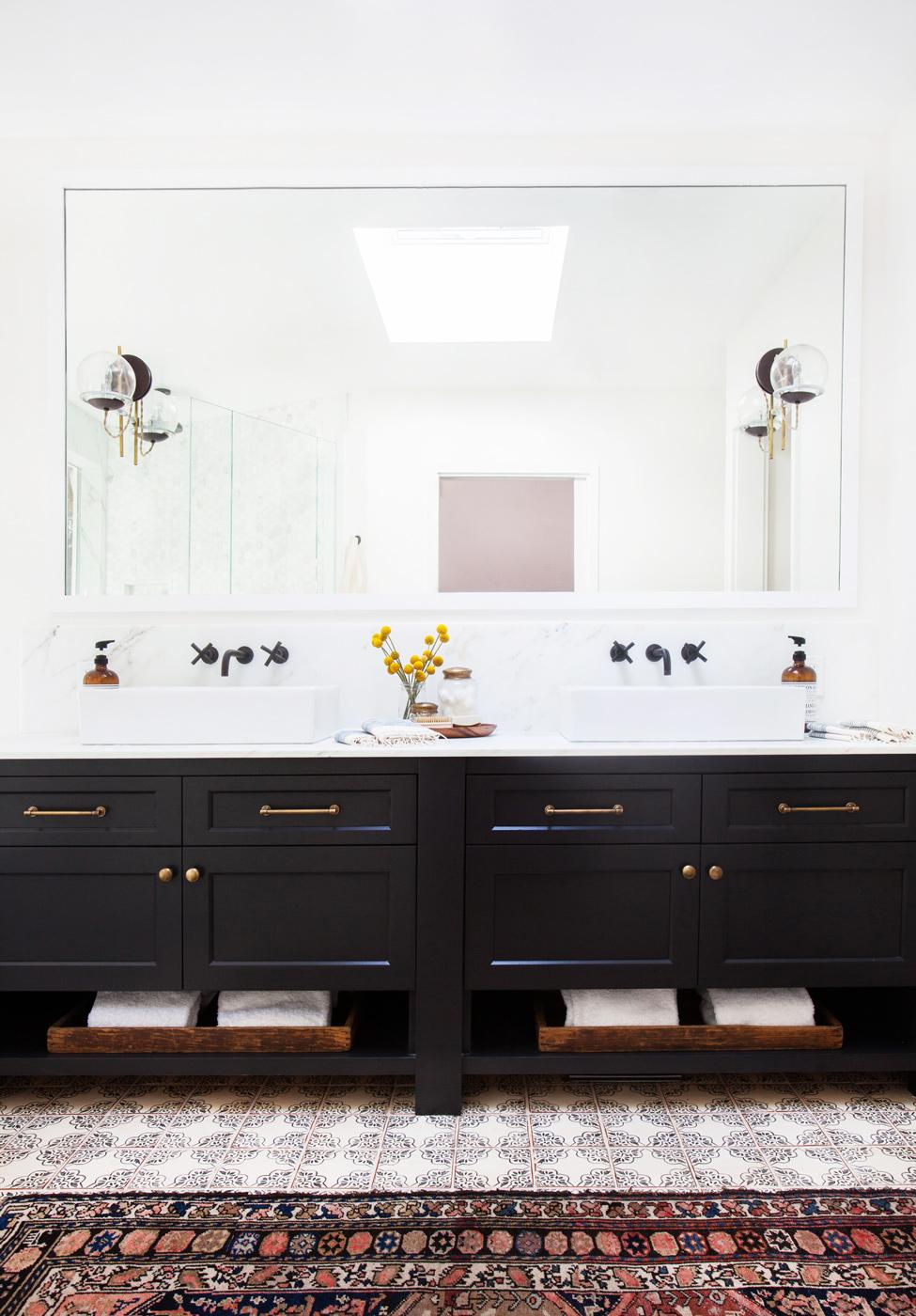 Amber Interiors Bathroom Persian Rug Domaine