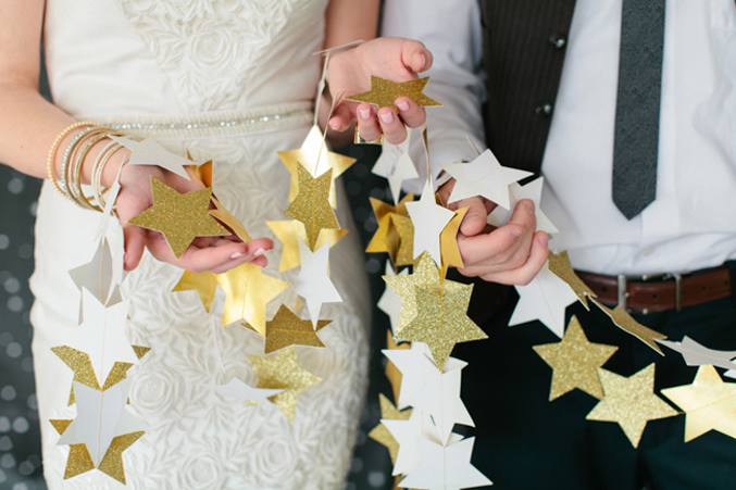 DIY-gold-star-garland