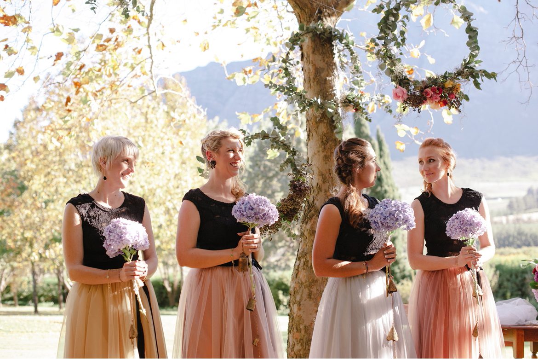 DNA-Photography_Anja-Joshua_bohemian-tulle-bridesmaids-dresses-fashion