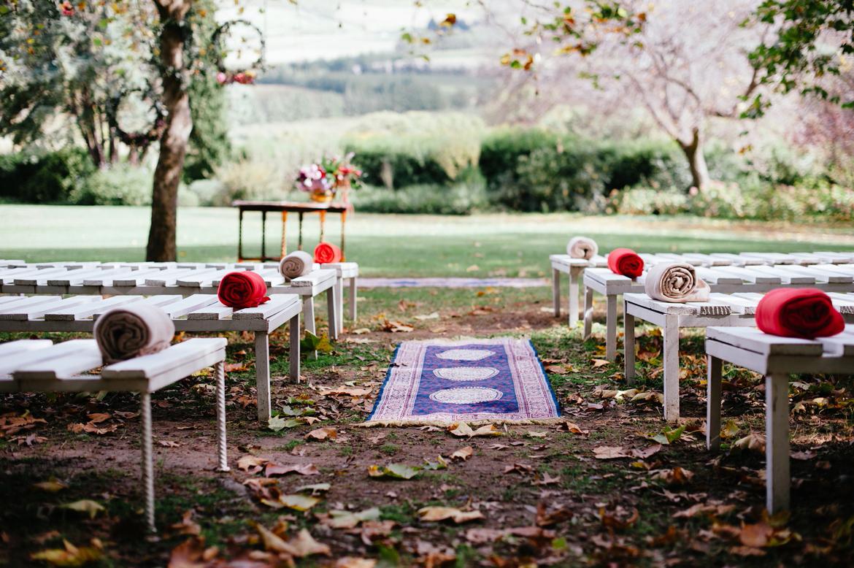 DNA-Photography_Anja-Joshua_bohemian-wedding-aisle-rug