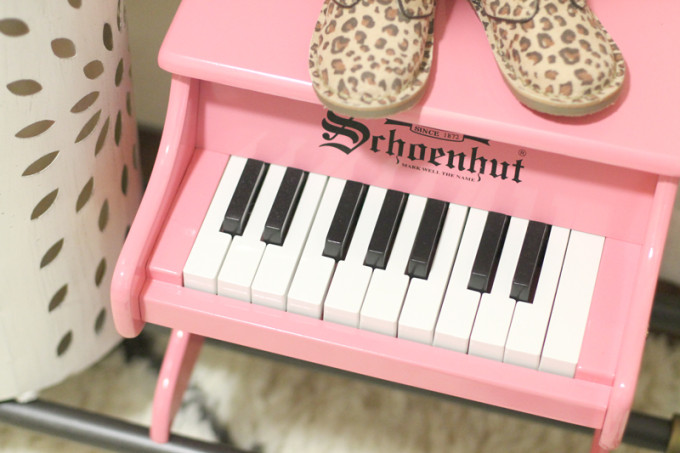 Scarlett-Everly-Nursery---Pink-Piano---glitterinc.com
