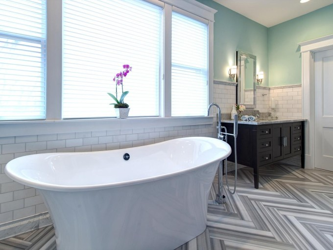 herringbone-tile-floor_Joni-Spear-gray-black-white-electic-bathroom-tub-tile_h.jpg.rend.hgtvcom.1280.960