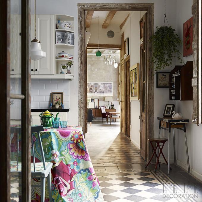 living-inside-Jul-14-dining-room-tile-floor