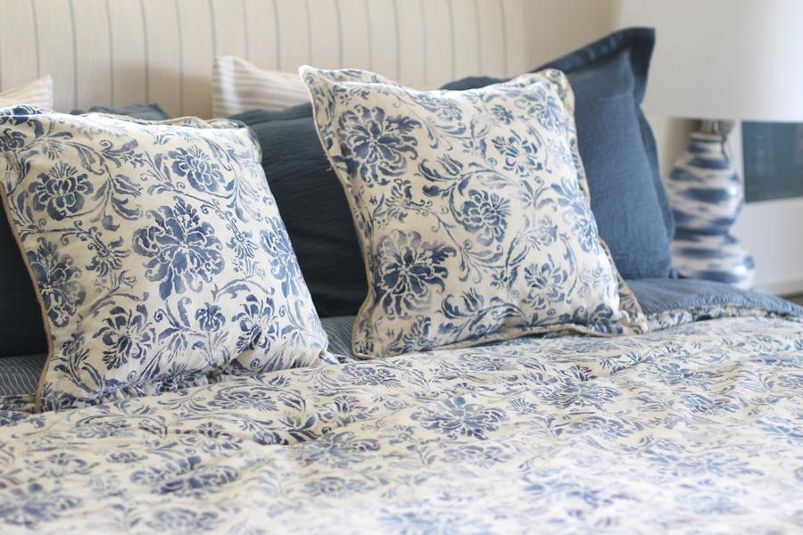blue-beach-bedroom---glitterinc.com