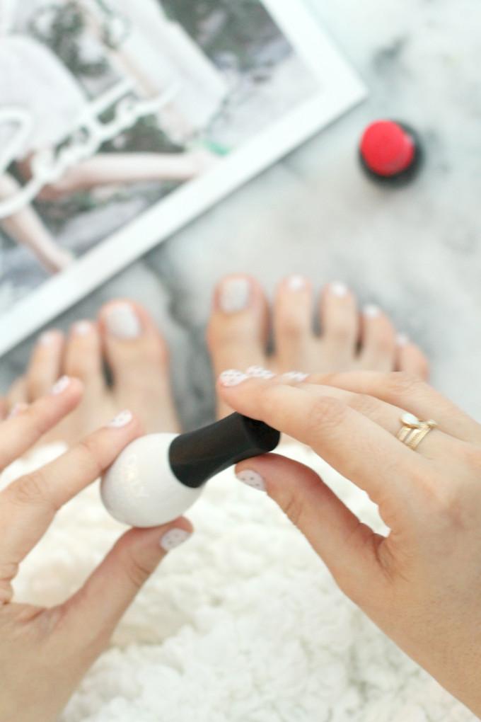 diy-polka-dot-manicure-and-pedicure---glitterinc.com