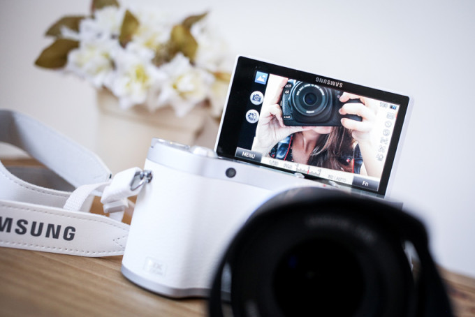 samsung nx300m digital flip camera - blogger