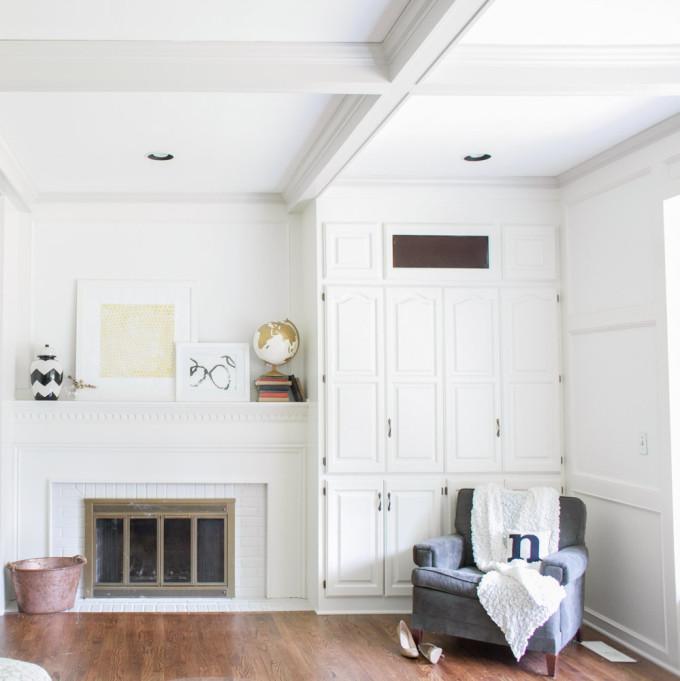 white-rustic-home-chair-corner-heels