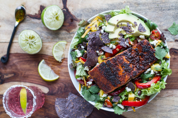 Chile-Lime-Salmon-Fajita-Salads-with-Cilantro-Lime-Vinaigrette.-11
