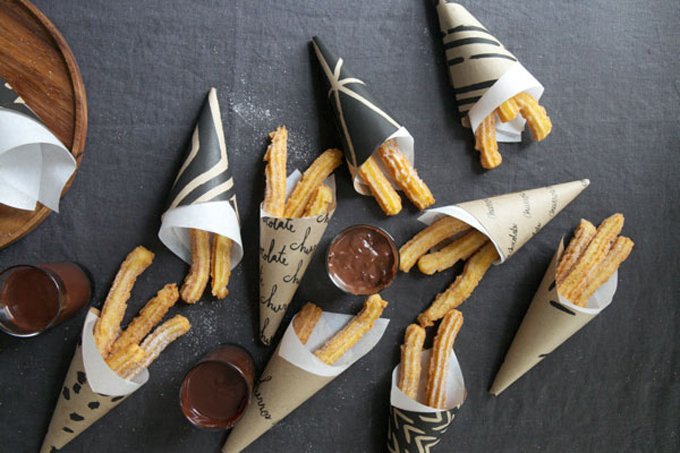 Churros-con-chocolat-cinco-de-mayo-party