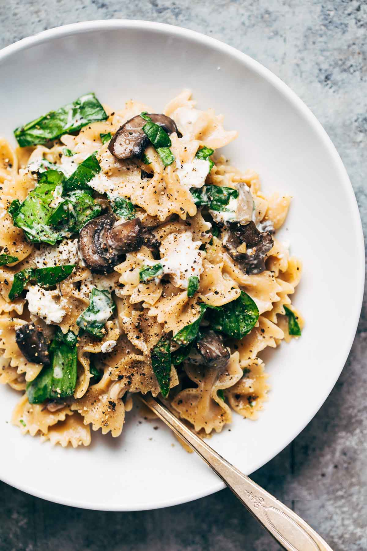15 Favorite Vegetarian Dinner Recipes: Date Night Mushroom Pasta with goat cheese