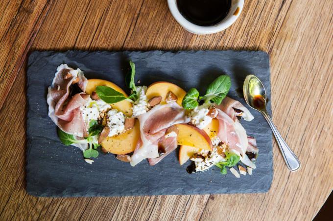 peaches-prosciutto-ricotta-arugula-summer-salad