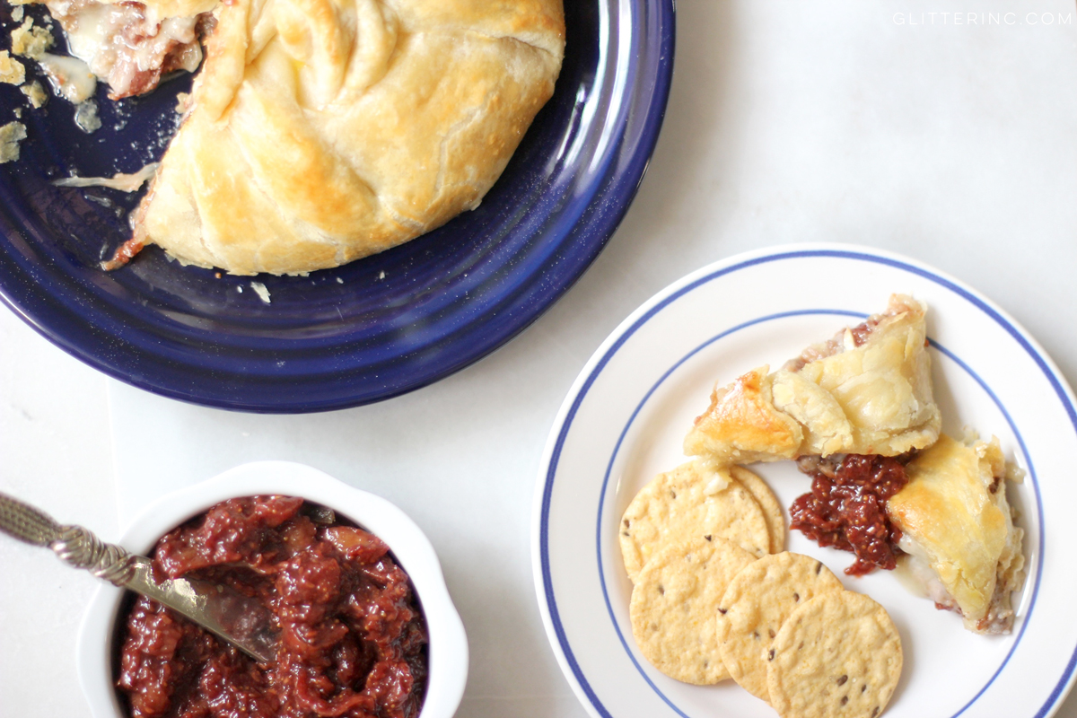 sausage-and-brie-flaky-puff-pastry-with-crackers-and-raspberry-fig-balsamic-jam-jelly---glitterinc.com