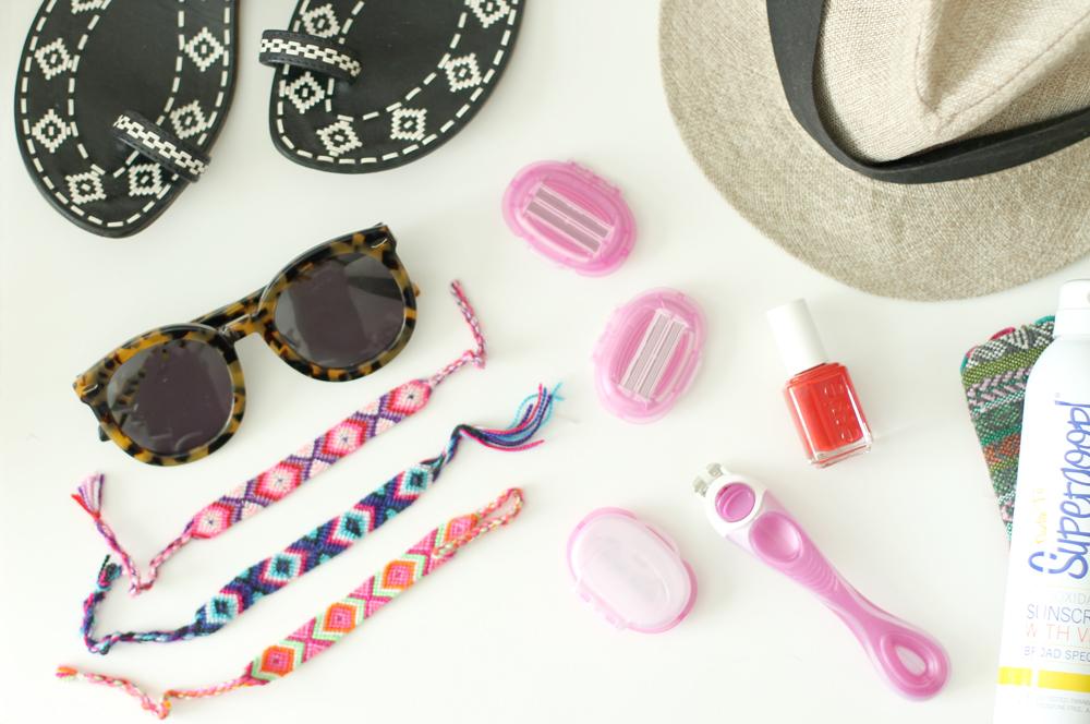 shavemob-beach-essentials-packing-vacation---glitterinc.com