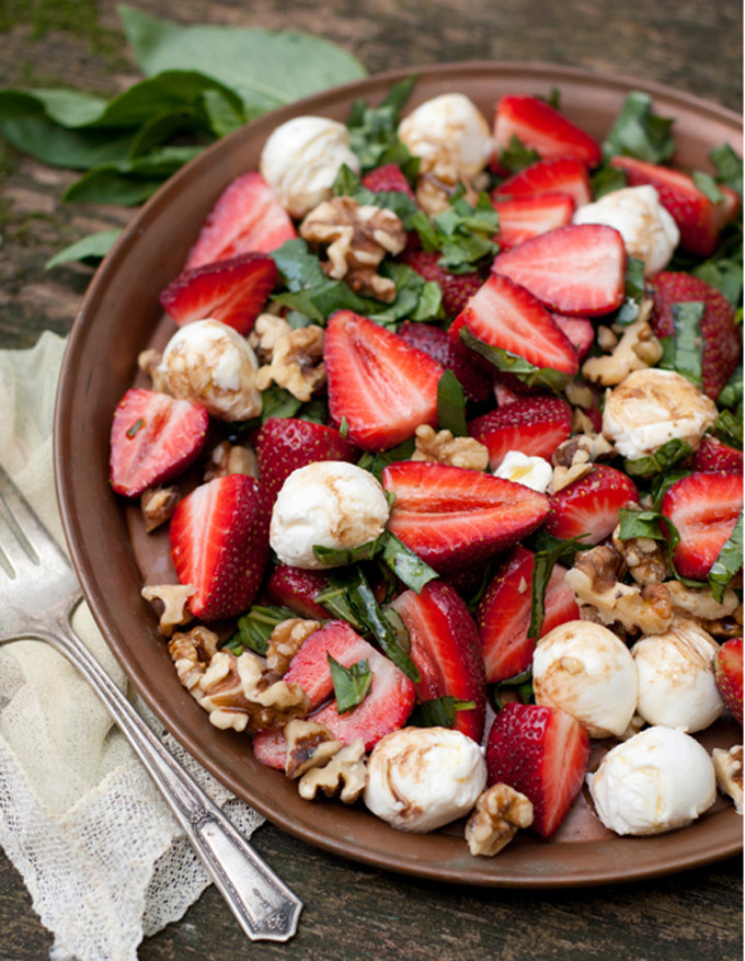 strawberry-caprese-salad