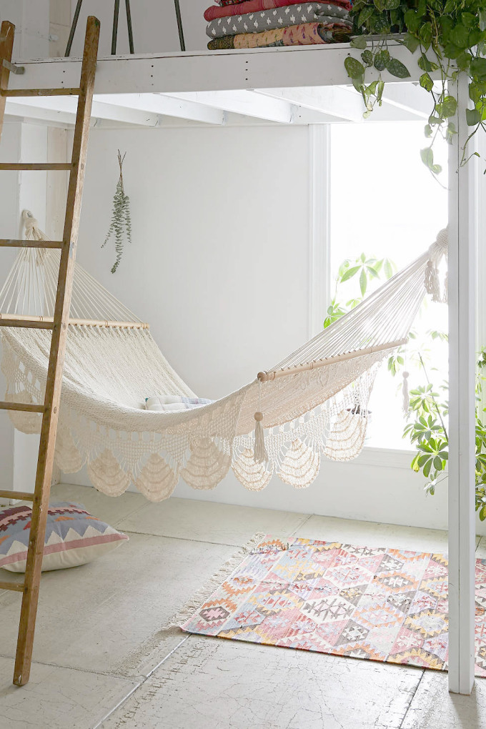 urban-outfitters-macrame-hammock