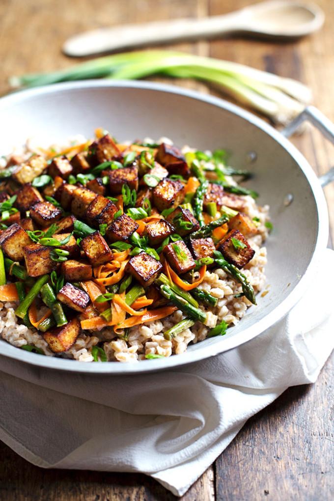 15 Favorite Vegetarian Dinner Recipes: Honey Ginger Tofu Veggie Stir Fry