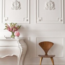 white crown molding walls