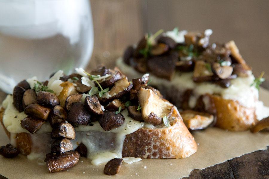 Mushroom-and-Fontina-Tartine-2