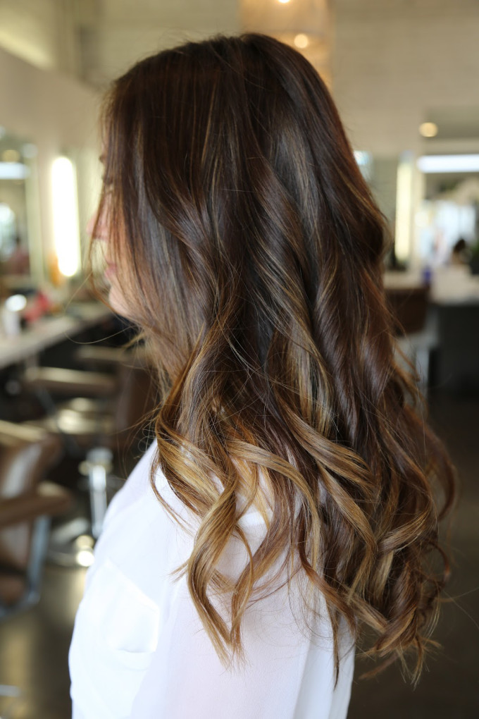 brunette-highlights-sombre-subtle-ombre