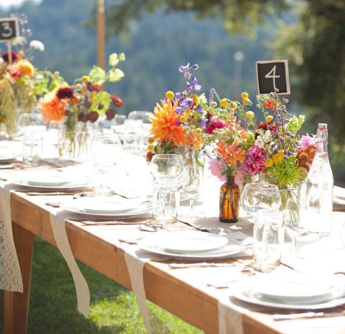 outdoor-pinic-table-party-lace