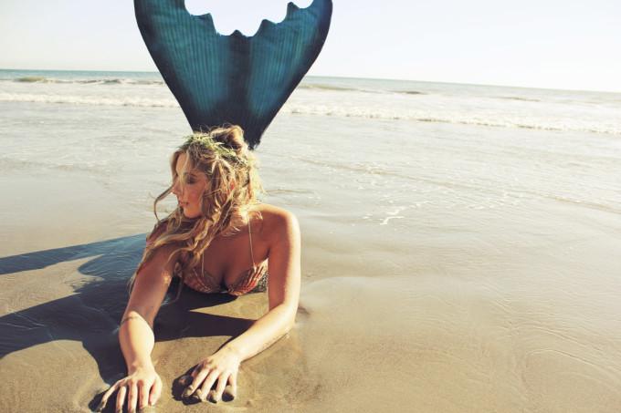 Mermaid-Beach-Shoot---neoprene-tail---glitterinc.com