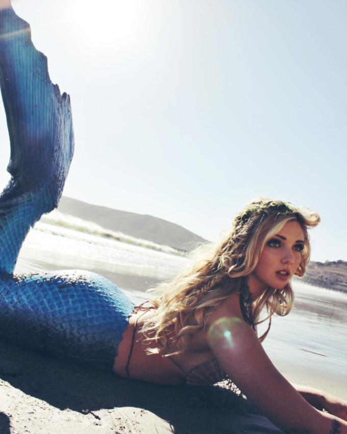 Mermaid-Photo-Shoot---neoprene-tail-2---glitterinc.com